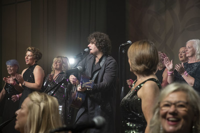 Paddy Casey joins the Sea of Change Choir for the grand finale.